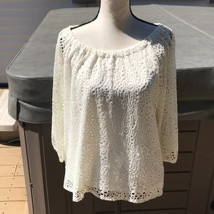 Leo  NIcole amazing blouse can be worn two ways